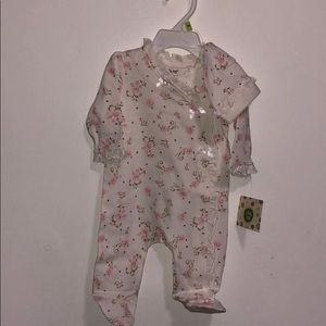Brand NEW! Little me onesie with hat